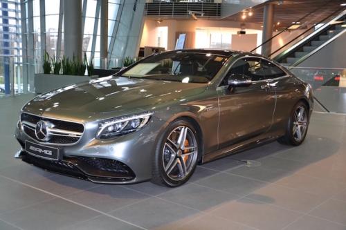 Mercedes-Benz Museum Stuttgart 2016